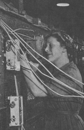 Installing electrical wiring in battleships