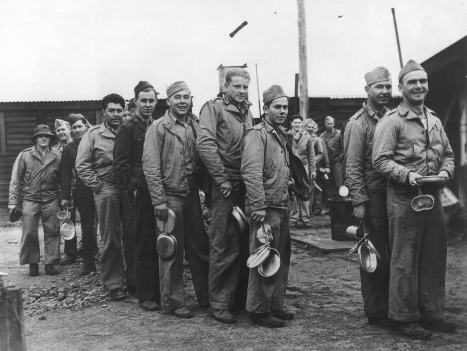 Mess queue at Camp McKay, 1943